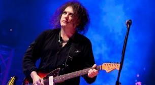 Los integrantes de la veterana banda de rock The Cure se encontraron con la prensa paraguaya: hablaron de sus inicios, su presente y de la esencia de su música.