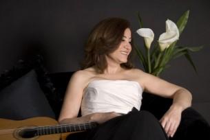 A meses de completar el recorrido de Mangoré, la guitarrista clásica paraguaya Berta Rojas llega a Filipinas y comparte el sueño que le toca vivir.