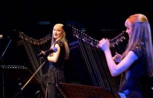 Virtuosas y bellas. Sensibles y pasionales. Las gemelas Camille y Kennerly Kitt hechizaron al público paraguayo.