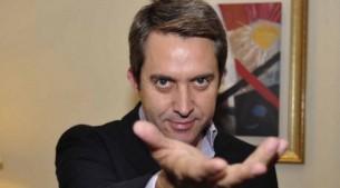 El psicólogo y mentalista español llegó a Paraguay para una serie de seminarios, que se alejan de los espectáculos de hipnosis que lo popularizaron.