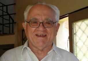 """Entrevista: El sacerdote jesuita José Luis Caravias confiesa que Bergoglio le """"salvó la vida"""" en tiempos de la dictadura militar en Paraguay y Argentina."""