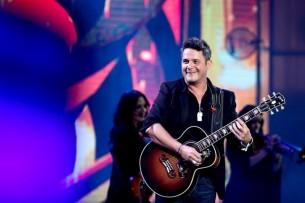 """El influyente cantautor español Alejandro Sanz hizo """"rugir"""" al público de la Quinta Vergara en el Festival Internacional de Viña del Mar."""