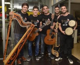 Jóvenes fusionan sus pasiones para iniciar un proyecto que hoy se llama Guaraní Folk.
