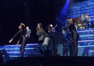 La estrella juvenil Lali Espósito generó suspiros durante su primer concierto en Paraguay.