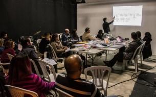 """La productora ejecutiva Gabriela Sabaté y el director de Fotografía Richard Careaga aportan su creatividad y experiencia a la nueva película paraguaya, """"Los buscadores""""."""