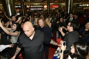 Los niños y adolescentes de la Orquesta de Cateura compartieron con la gigante del thrash metal, Megadeth, en una idílica noche de estreno.