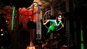 Nhi-Mu: Una fusión de teatro, circo, técnica y creatividad en Paraguay.
