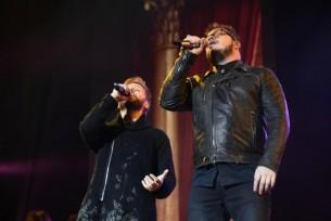 Regreso triunfal: con nuevas canciones y un puñado de viejos éxitos, el dúo pop Sin Bandera volvió a Asunción para replicar su éxito latinoamericano.